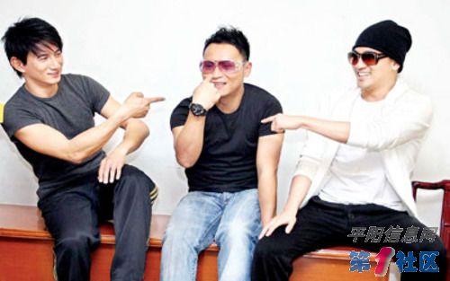 阳光路上》演员:阎维文25.小品《捐款》演员:赵本山、王小利、